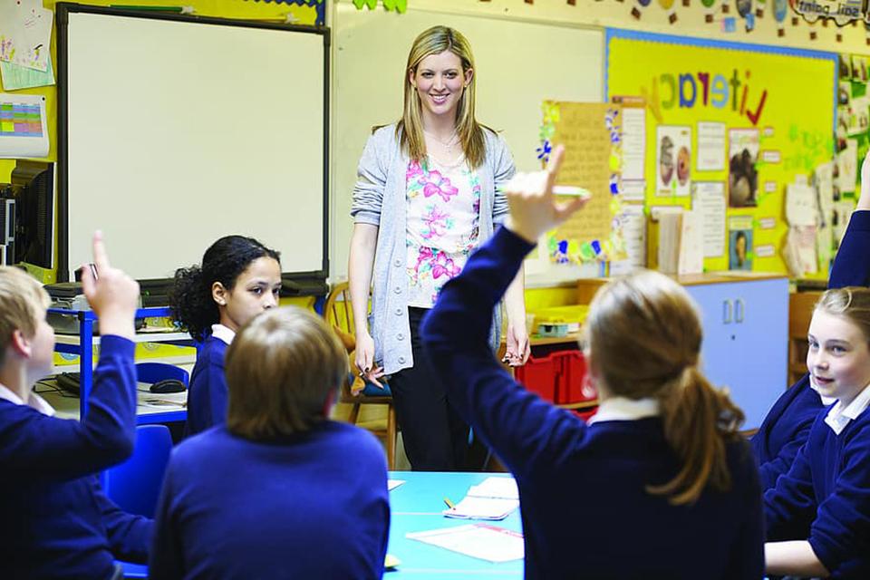 """""""Džiaugsmas"""" švietimo bendruomenei – jau antras mėnuo, kai politikai akcentuoja jos svarbą"""