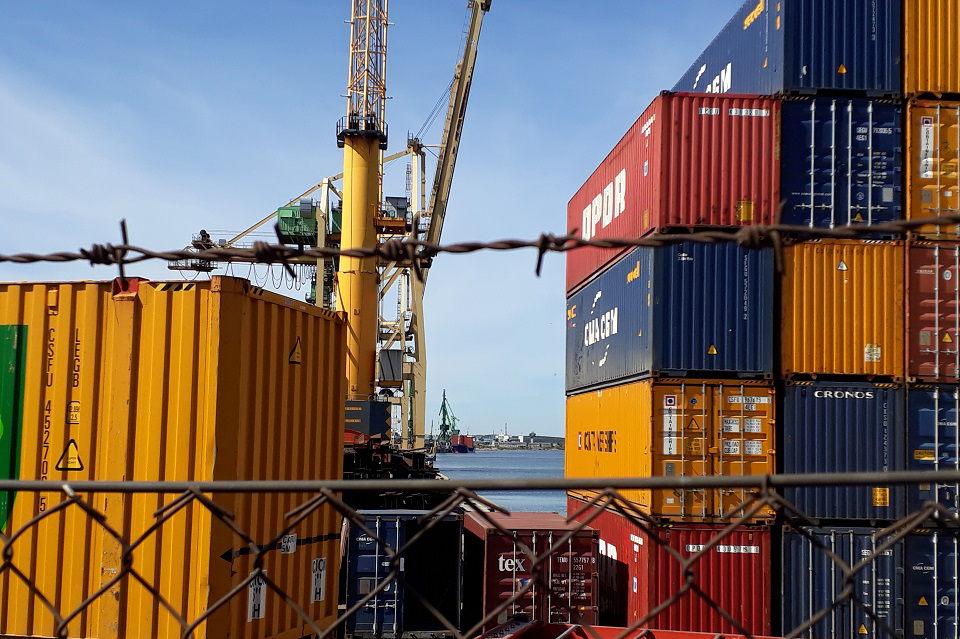 Nagrinėjamos krovinių pristatymo į Klaipėdos uostą alternatyvos