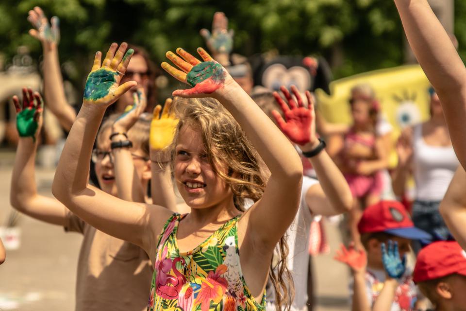 Už sveiką ir laimingą Klaipėdą – spalvotais delnais
