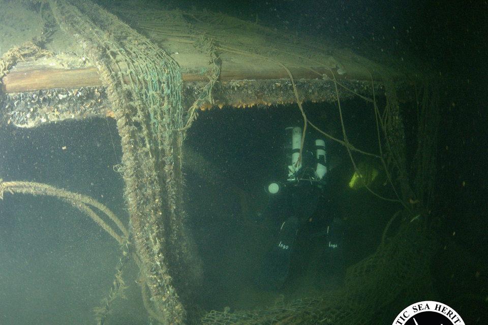 Perduos varpą iš Baltijoje nuskendusio laivo