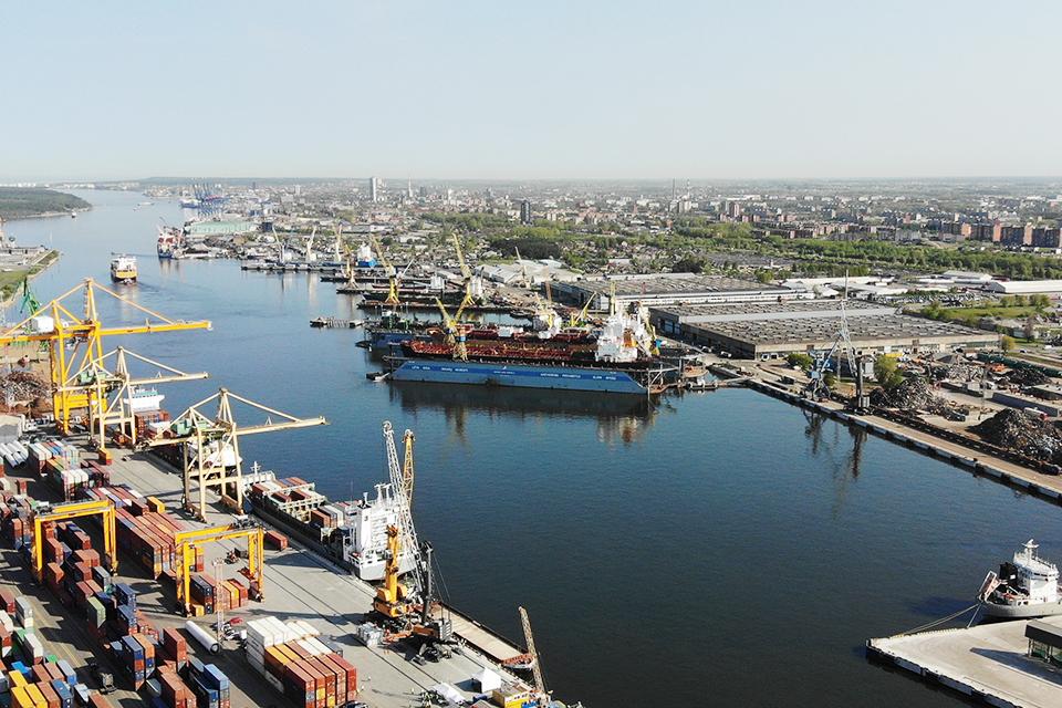 Uoste – naftos produktų dėmė