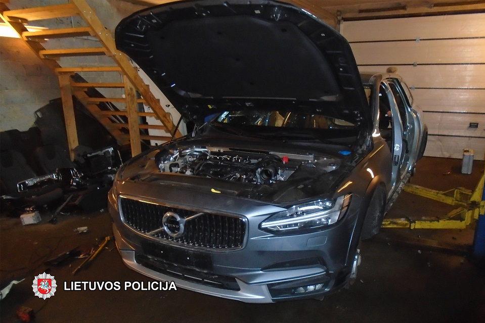 """Vogta """"Volvo"""" klaipėdietį atvedė į teisiamų suolą"""
