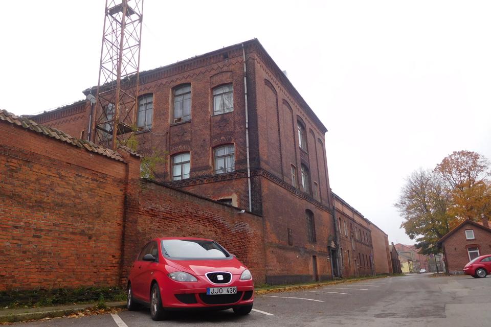 Miestas perims arba pirks senąjį komisariato pastatą